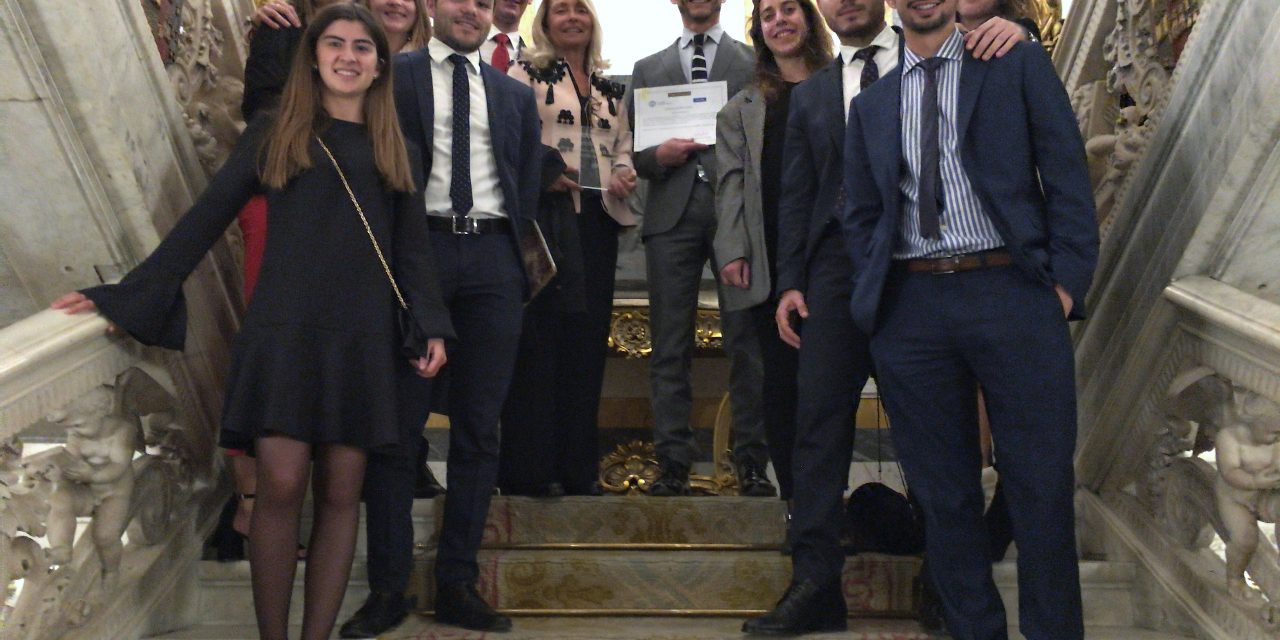 L'equip de l'UJI obté el premi Albert H. Kritzer al millor escrit de demanda en la competició MOOTmadrid 2018