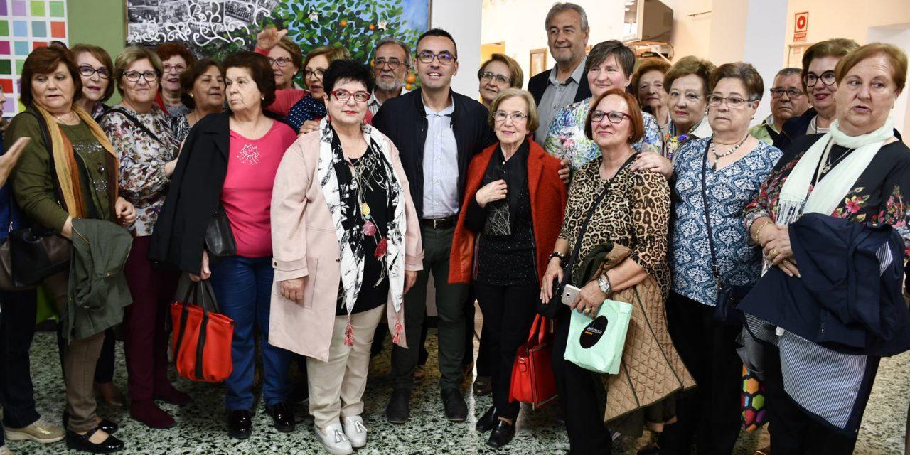 Vila-real reviu la tradicional Nit de Xulla pels carrers i les penyes de la ciutat