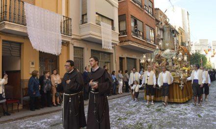 Vila-real celebra el dia del patró amb la missa i processó de Sant Pasqual