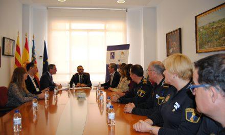 L'UJI, l'Ajuntament de Vila-real i l'Ivaspe sumen forces per a promoure la formació en mediació policial i estendre l'experiència local a policies
