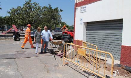 L'ajuntament renova les voreres i la canalització d'aigua potable al barri Joan XXIII