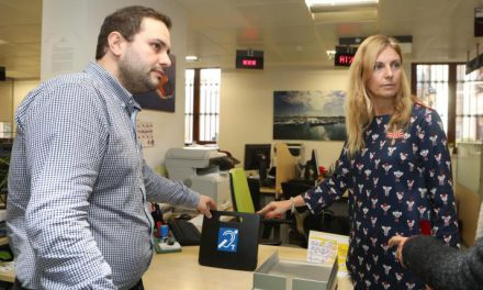 L'ajuntament instal·la bucles magnètics per a millorar l'audició en els edificis municipals