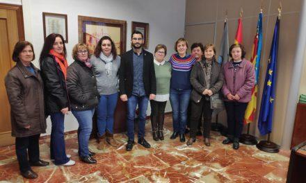 L´ajuntament mostra el seu suport a les treballadores de neteja dels instituts de l'Alcora i l'Escal