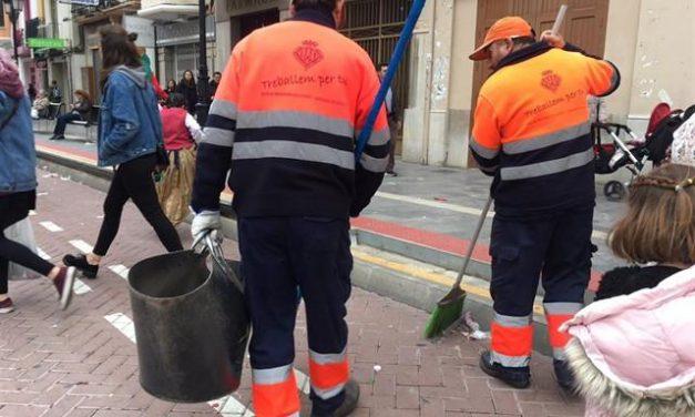 Castelló reforça el desplegament de neteja de Magdalena amb 112 operaris i 59 vehicles