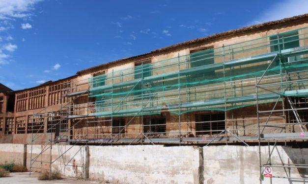 L'Alcora inicia la restauració de la façana lateral original de la Reial Fàbrica