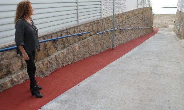 Benicàssim millora l'accés per als vianants a la platja Els Terrers