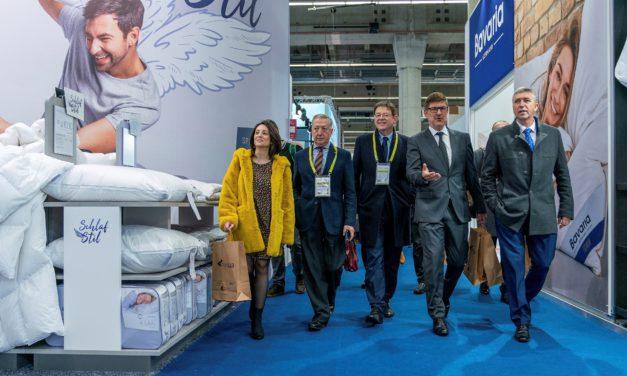 Ximo Puig anuncia la creació de la Mesa del Tèxtil per a establir una col·laboració permanent entre la Generalitat i aquest sector industrial