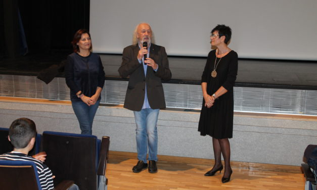 Montxo Armendáriz conversa amb l'alumnat