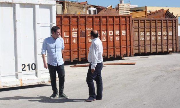 Garcia busca la col·laboració dels professionals per a acabar amb els abocaments incontrolats