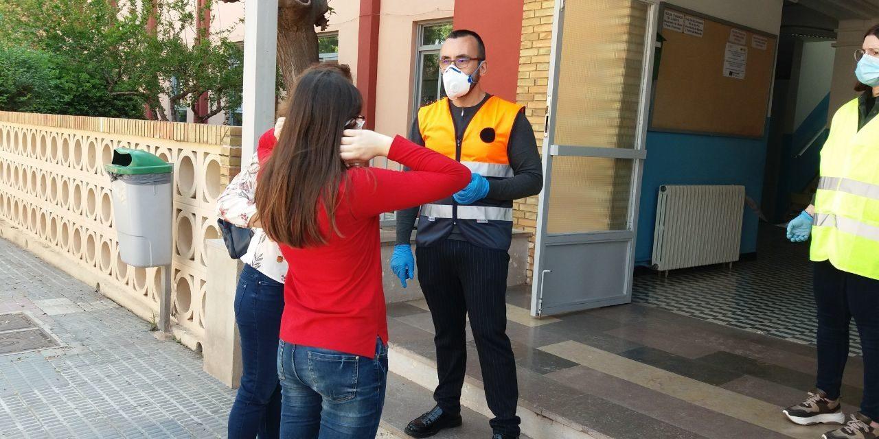 Vila-real entrega màscares en el primer dia d'eixides autoritzades de menors i prepara ja el repartiment en els domicilis per correu en els pròxims dies