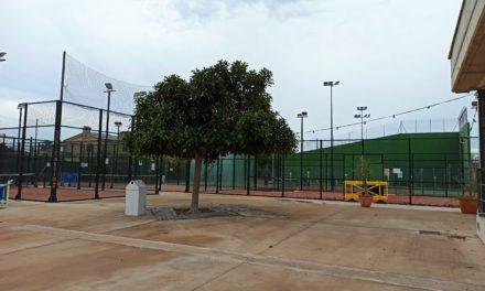 Benicàssim reprén el dilluns l'activitat en les pistes de tennis i pàdel del poliesportiu