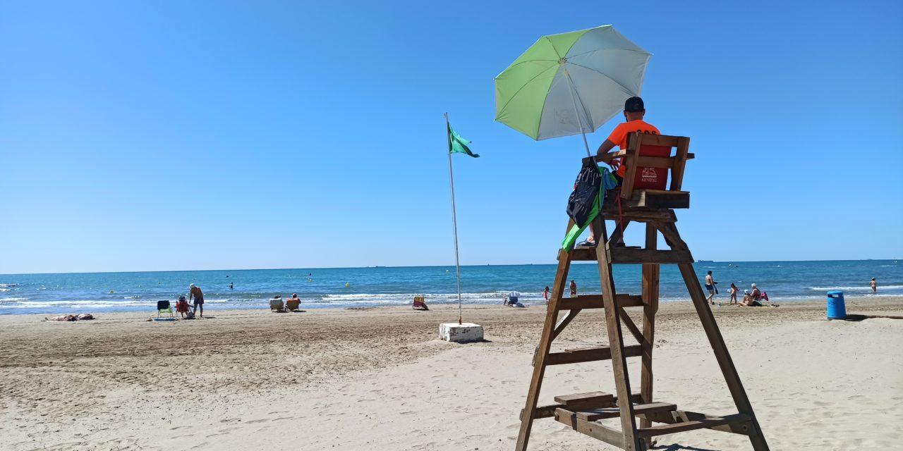 Benicàssim inicia el servei de salvament i socorrisme a la platja