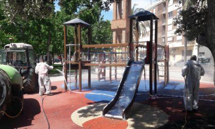 Almassora desinfecta tots els parcs infantils per a la seua obertura