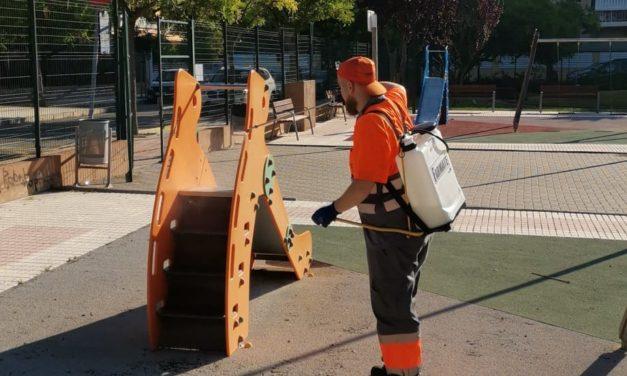 Benicàssim reforça el servei de desinfecció de les àrees de jocs infantils