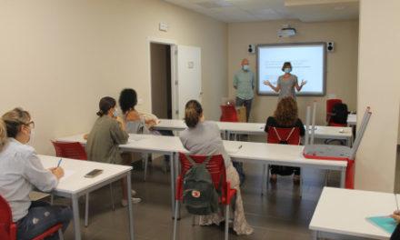 Benicàssim Activa' reprén l'activitat presencial amb un taller sobre protecció de dades