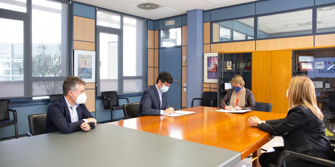 FOBESA i l'UJI renoven el seu programa de beques per a l'alumnat resident a Benicàssim