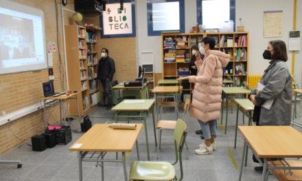 Montxo Armendáriz conversa de manera telemàtica amb l'alumnat de 1ºESO de Benicàssim